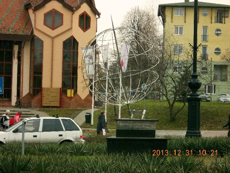 Szilveszteri ládázás az ország túlsó végén – East 17, Mit rejtenek a belső udvarok és Vasúti park, Nagykanizsa
